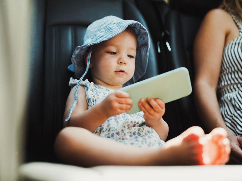 Tecnologie anti abbandono bambini in auto